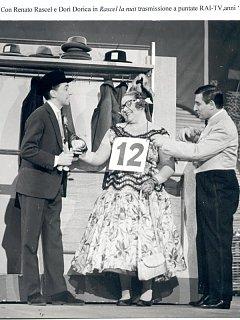 Armando Bandini Con Renato Rascel E Dori Dorica In Rascel La Nuit Trasmissione A Puntate Rai Tv Televisione 1950